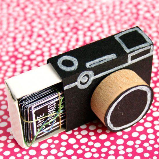 DIY Boîte à photos polaroïds en carton et en bois
