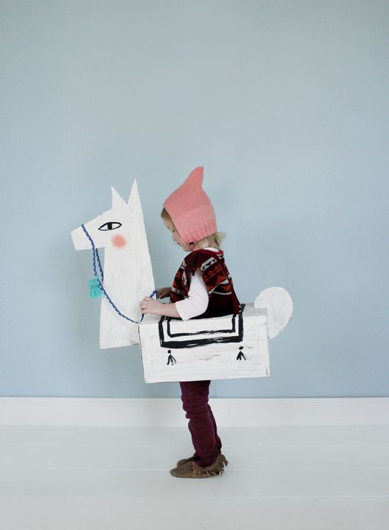DIY déguisement en carton Lama