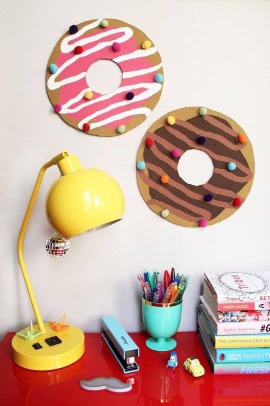 DIY Donut en papier et liège pour le bureau