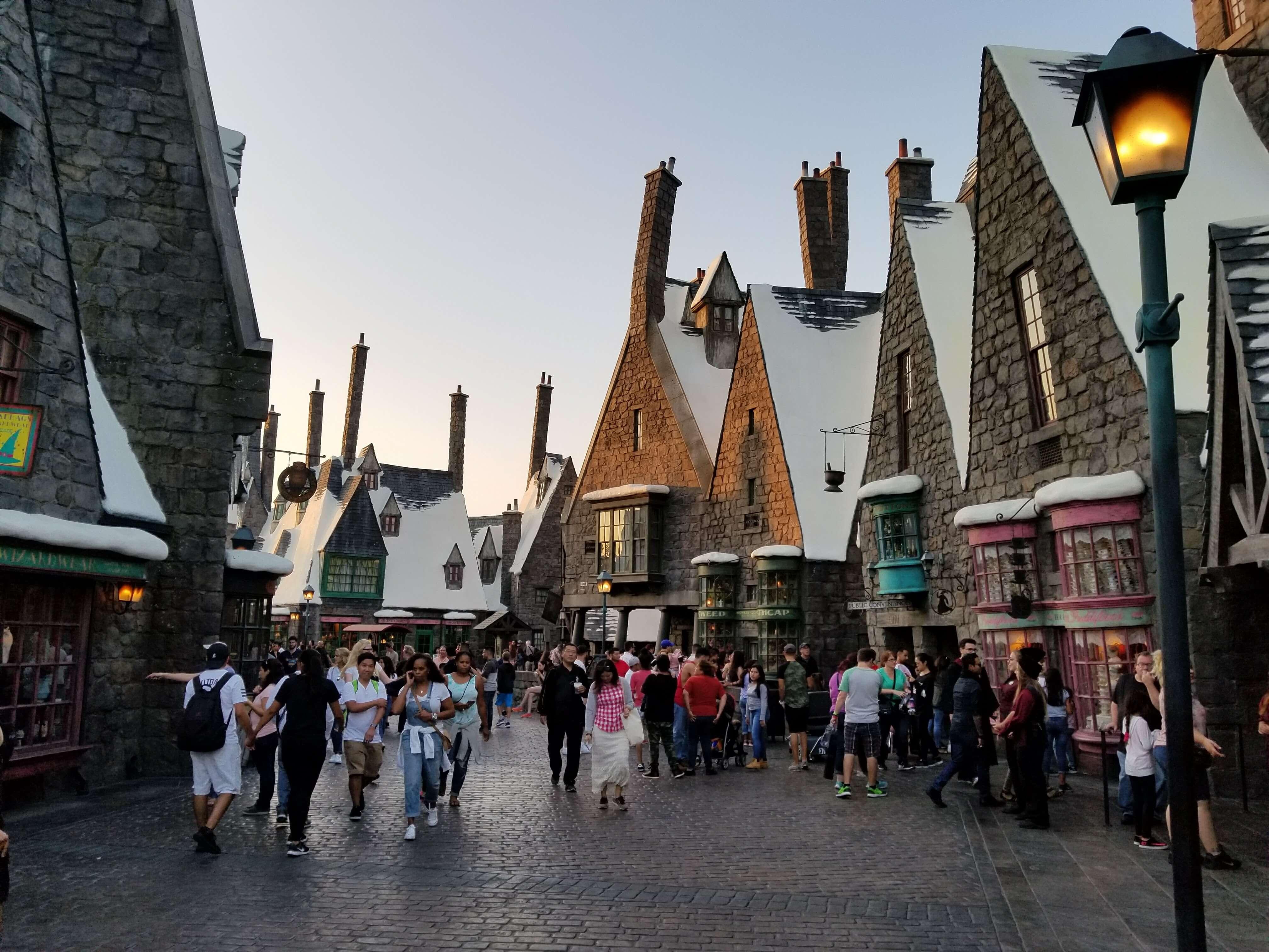 ⭐️ Harry Potter à Universal Studios d'Hollywood ! Sur Goodie Mood, le blog Feel Good d'une française expatriée à Los Angeles. #universalstudios #hollywood #californie #expat #LosAngeles #Attraction #Parc #HarryPotter