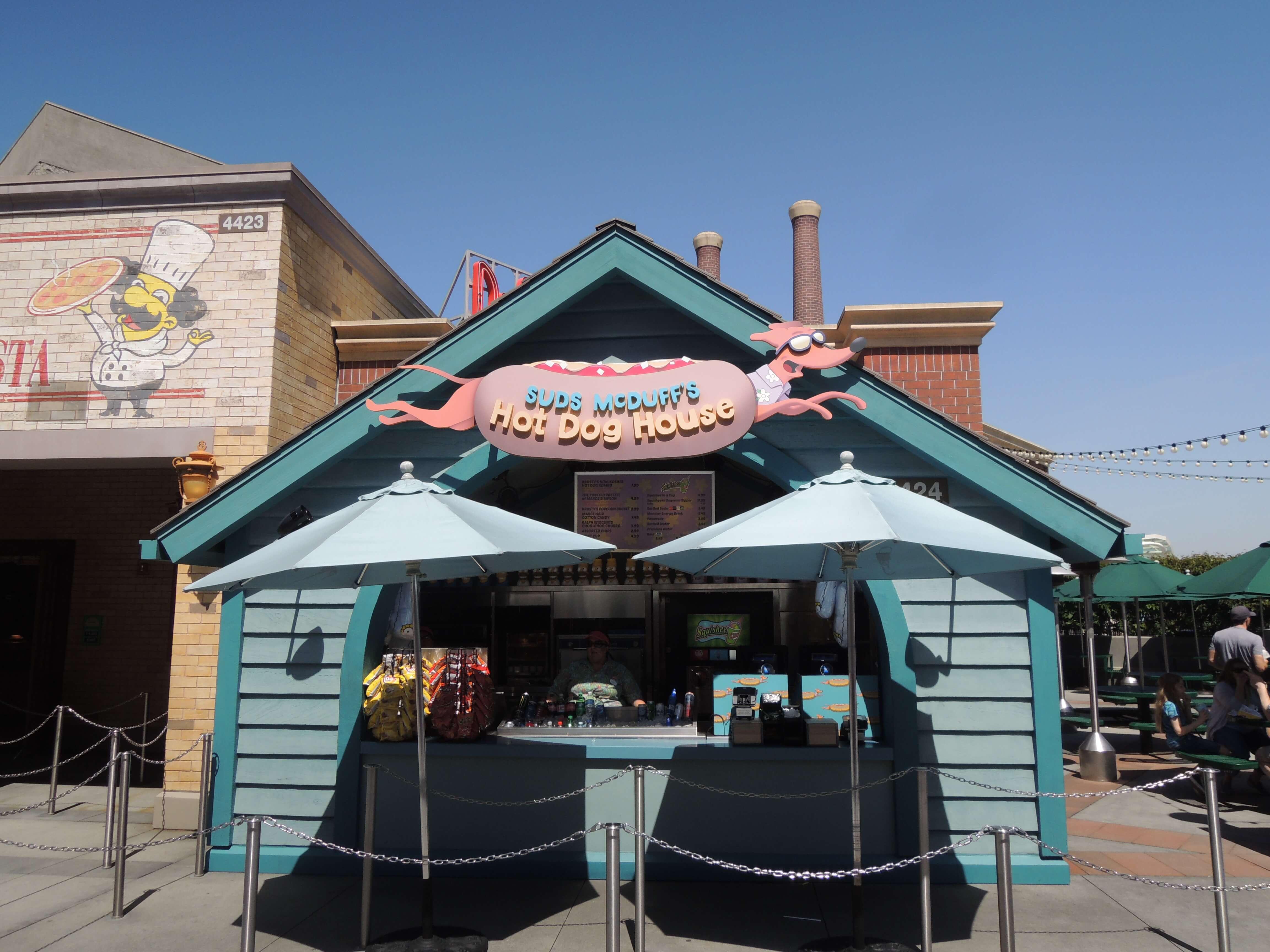 🌴#Simpsons à Universal Studios d'Hollywood ! Sur Goodie Mood, le blog Feel Good d'une française expatriée à Los Angeles. #universalstudios #hollywood #californie #expat #LosAngeles #Attraction #Parc #HarryPotter #TheSimpsons