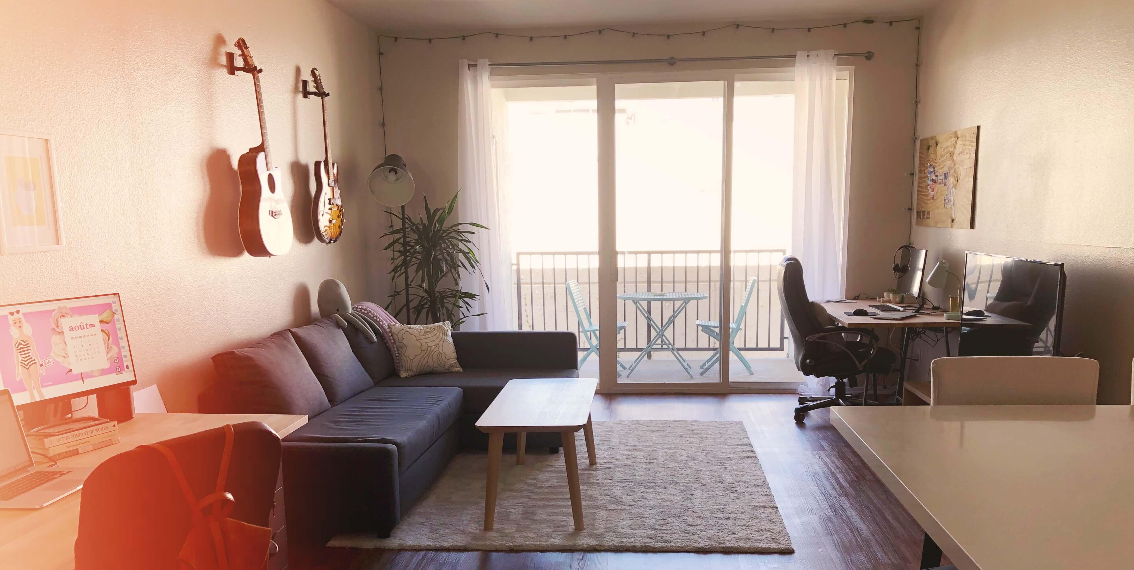 Goodie Mood - Apartment Tour - salon