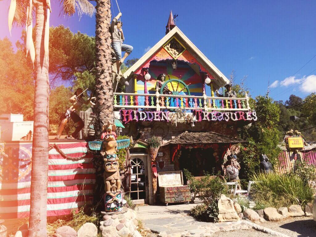 Topanga Canyon 🎬 Mes 10 endroits préférés à Los Angeles. Carte des quartiers Los Angeles, sur Goodie Mood, le blog Feel Good et Créativité #losAngeles #expatlife #changerdevie #venice #santaMonica #theGrove #beverlyHills