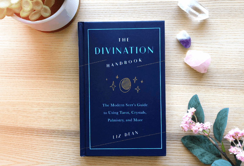 "Livre ""the Divination Handbook"""