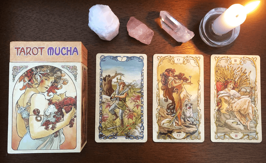 Tarot Mucha, photo of the deck