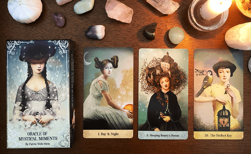 Oracle Mystical Moments, photo of the deck