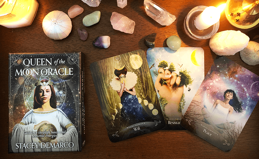 The Queen of the Moon Oracle, photo of the deck