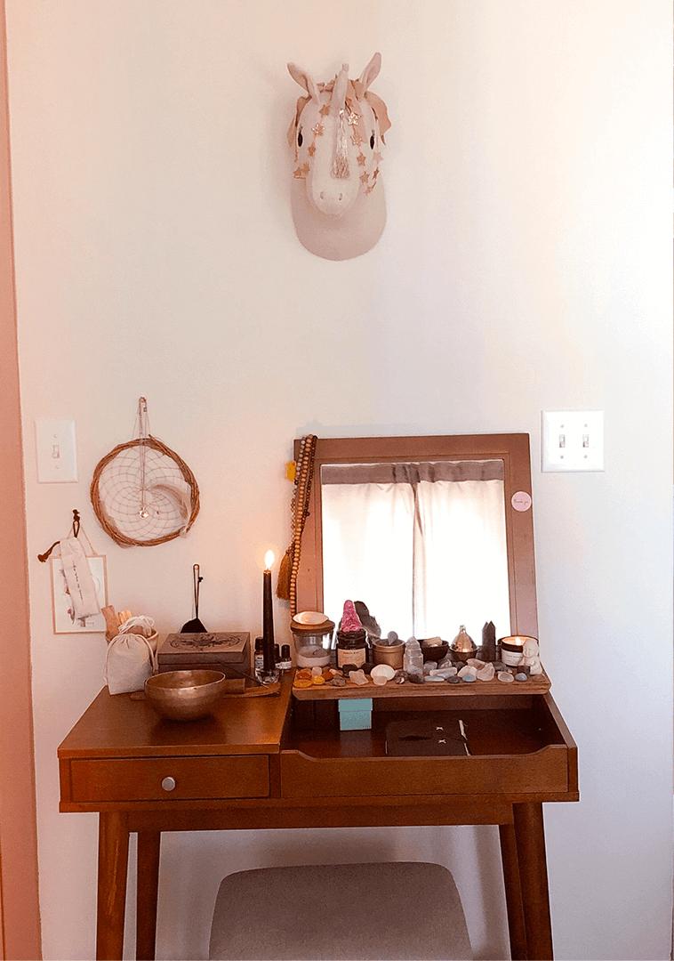 Mon autel et ma collection de pierres et minéraux